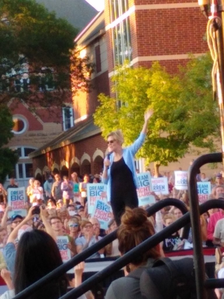 And I was there!! Let's go, Madame President @ewarren ! She moved me to tears. No one has done that since I listened to Pres. Obama.
