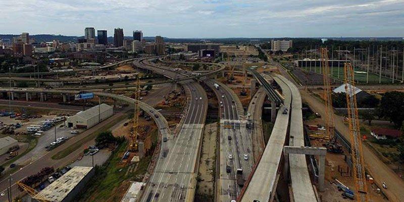 $700M rebuilding of closed Birmingham interstate on schedule yellowhammernews.com/700m-rebuildin…