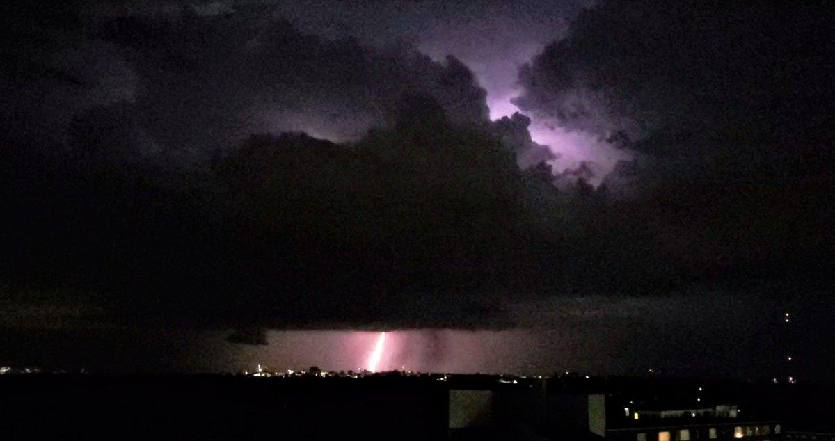 Cloud-to-ground lightning from the severe thunderstorm near Reston, VA! #VAwx #DCwx <br>http://pic.twitter.com/qqzTJaDo23