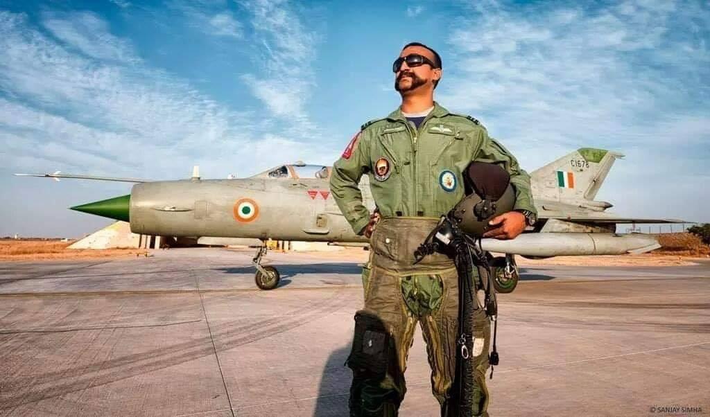 Look who's back! 🇮🇳#AbhinandanVarthaman @IAF_MCC
