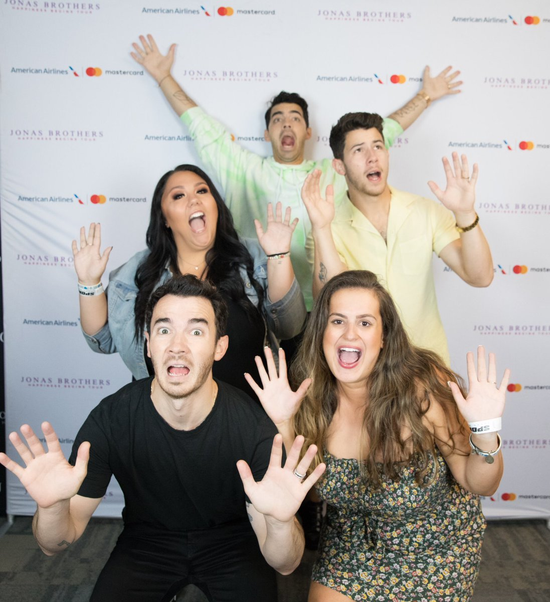 We are SCREAMING IN MY CAR this came out better than we'd ever imagine. We'll ride this rollercoaster forever with you @jonasbrothers  <br>http://pic.twitter.com/LxlKeFRZwa