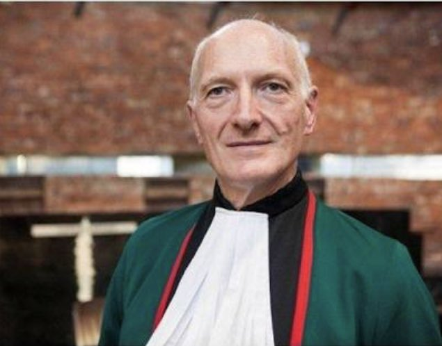 My well wishes & gratitude goes to Justice #Edwin Cameron, a brave and fearless hero to whom we owe a great debt for his commitment to our judiciary, advocating for human rights & his activism for HIV/AIDS and gay rights. Thank you for your service to our country. <br>http://pic.twitter.com/aymbC9XGjN
