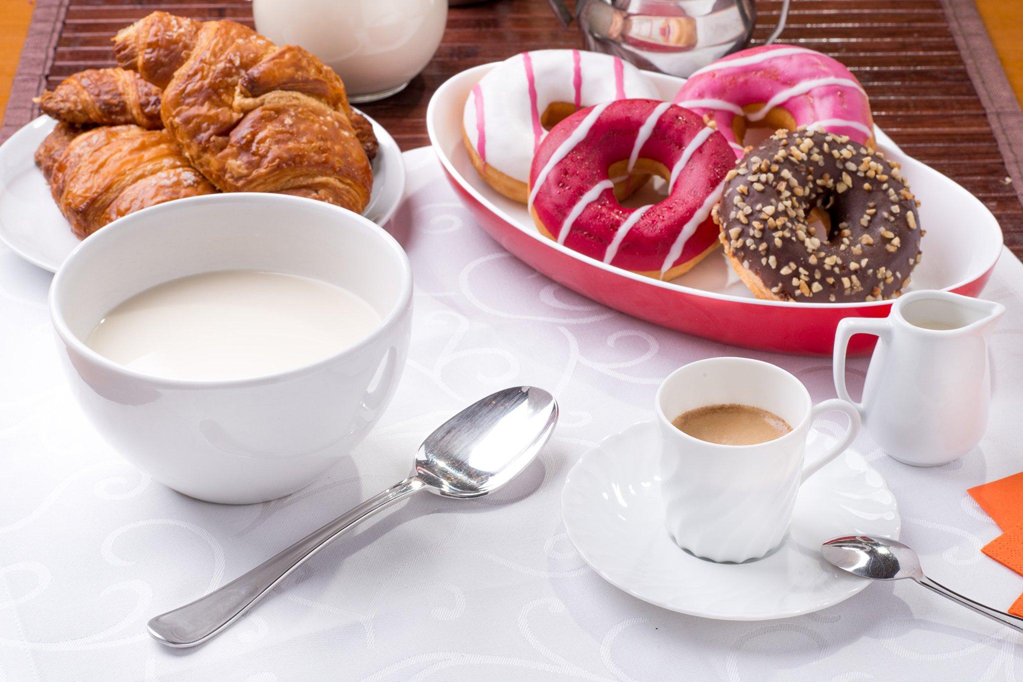 Прикольными катятами, открытка вкусная с добрым утром
