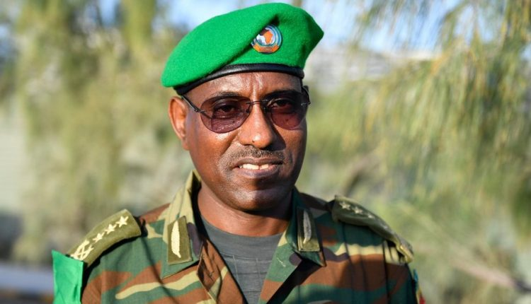 AMISOM Commander Gen Yilma expected in Kismayo shortly to ease Kenya-Ethiopia standoff over Jubaland.  An Ethiopian aircraft allegedly with troops on board was denied permission to land at Kismayo Airport on 19 August.  Meanwhile tensions reported elsewhere between 2 in Gedo. <br>http://pic.twitter.com/ioL5XNwkRb