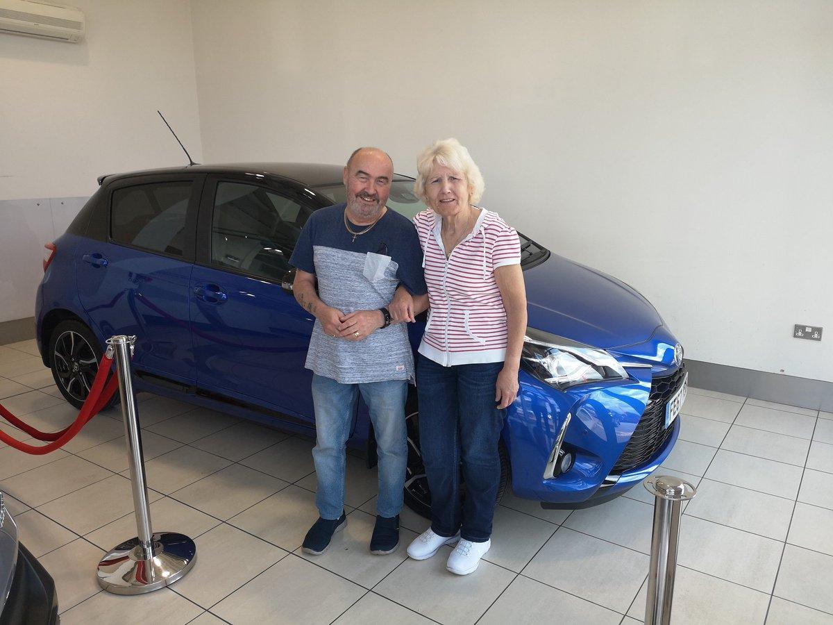 Happy new car day for both of Neils customers at our Ilkeston dealership 😁🚗 #ilkeston #ronbrooks #Toyota #happymotoring