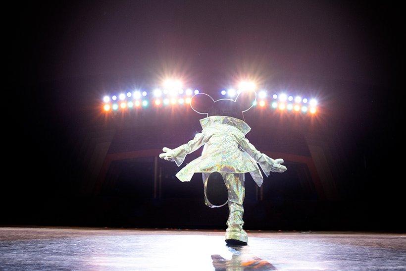 """【写真家の平間至さんが切り撮る夢と魔法の世界】 東京ディズニーリゾートのさまざまな""""魔法の瞬間""""を紹介する「イマジニング・ザ・マジック」。 今回は、「ワンマンズ・ドリ−ムⅡ-ザ・マジック・リブズ・オン」の世界です! 躍動感あふれる作品の一部をご紹介♪>> tdr.eng.mg/302f6"""