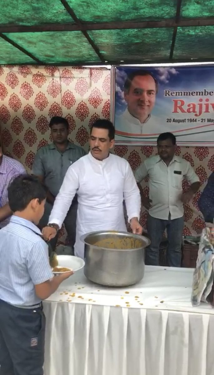 """In the loving memory of Rajiv ji & to celebrate his 75th birthday, I did what I believe in the most """"Feeding the Hungry"""". May his soul rest in peace #RajivGandhi #Rajiv75<br>http://pic.twitter.com/5XuNKRUvL7"""
