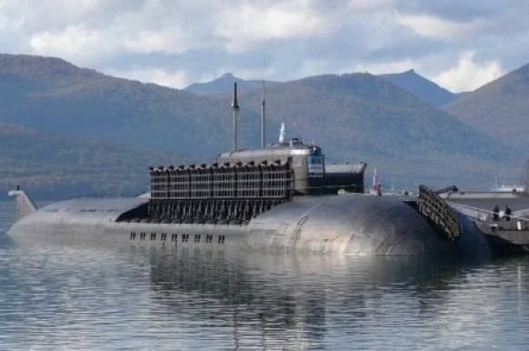 This year, after 27 years, #Russia completed building the largest #submarine in the world. It is called #Belgorod and it is 184 meters in length and it can submerge to the depth of 500 meters. It is now traversing the seas in long-term trials. https://zen.yandex.ru/media/technic/rossiiskaia-atomnaia-podlodka-belgorod-kotoruiu-stroili-27-let-doljna-stat-samoi-bolshoi-podlodkoi-v-mire-5d401a84d11ba200ac043971…pic.twitter.com/1HSUmQWb7u