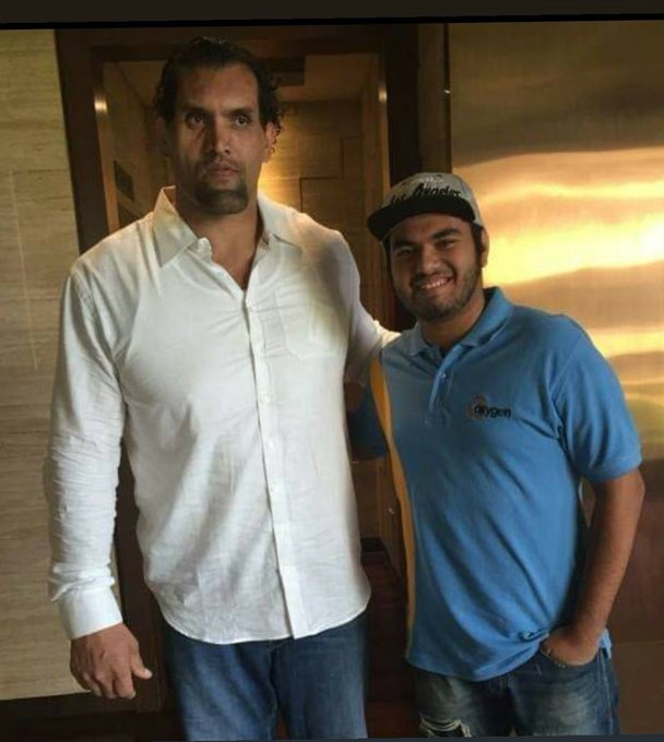 Happy birthday to THE GREAT KHALI!   He actually makes you feel like a dwarf
