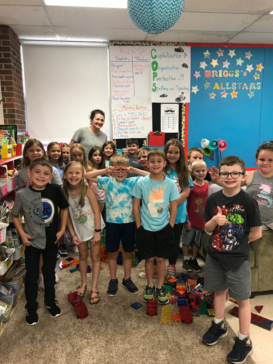 #ThankATeacherTuesday Thank you, Mrs. Briggs @briggsminions for writing the grants for our new Maker Space classroom! You are amazing!! https://t.co/I2eGyBCykU