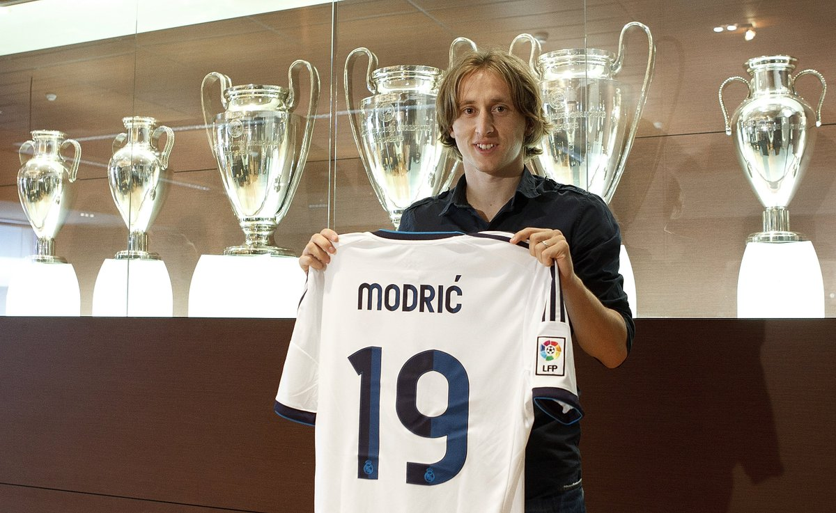 #OTD in 2012, Real Madrid unveiled new signing Luka Modrić✍️  #UCL
