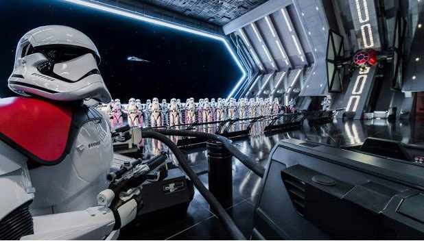 I just walked into this scene of Rise of the Resistance. OH. MY. GOD! The scope and scale is larger than what you would expect! The ride vehicle looks amazing! This attraction will raise the bar even higher as far as a themed experience goes. Words cannot describe! #GalaxysEdge <br>http://pic.twitter.com/PwoHwnsfDq