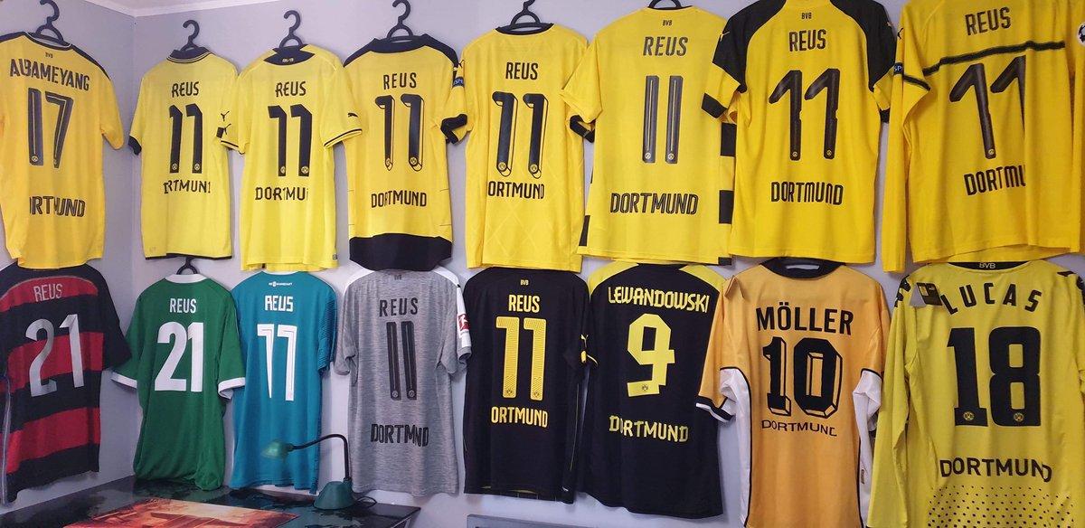 detailed look a9895 3421c Borussia Dortmund on Twitter: