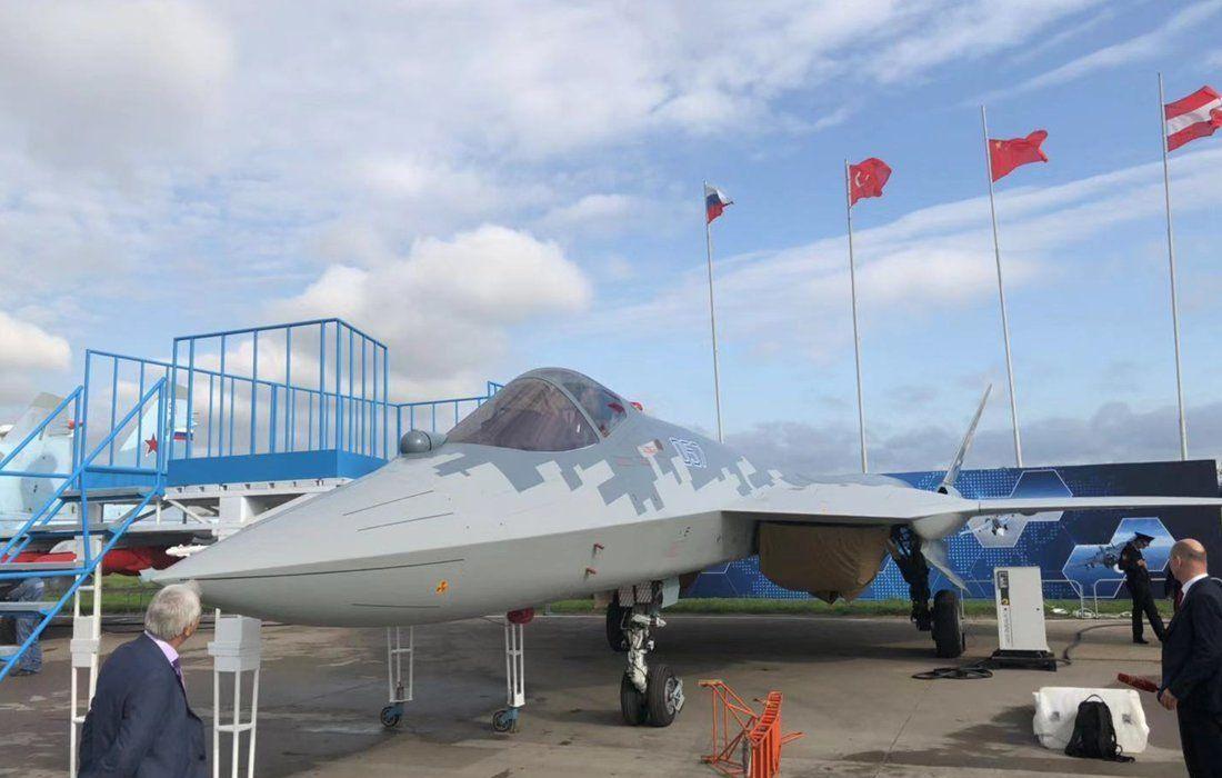 مقاتله Sukhoi T-50 PAK FA سيتغير اسمها الى Su-57  - صفحة 7 EC_eGlXXkAE2MC2