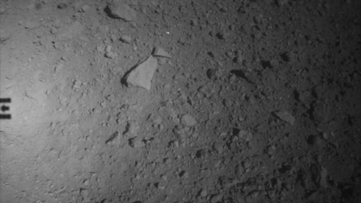 #asteroids #jaxa Japan's Asteroid Probe Packs Up and Prepares for Return to Earth https://t.co/uMI2rWwXJ5 https://t.co/iS7C5eazD1