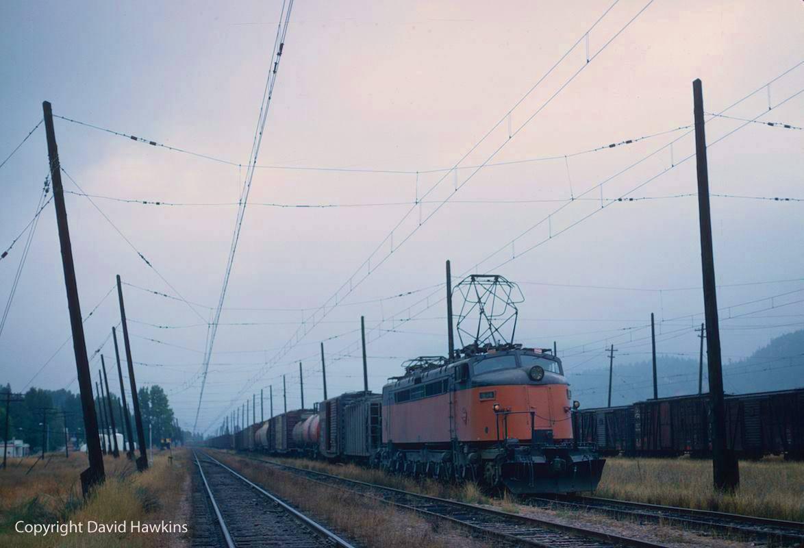 EC t8GhWsAEZSLI - Electric Railroad through the Rockies