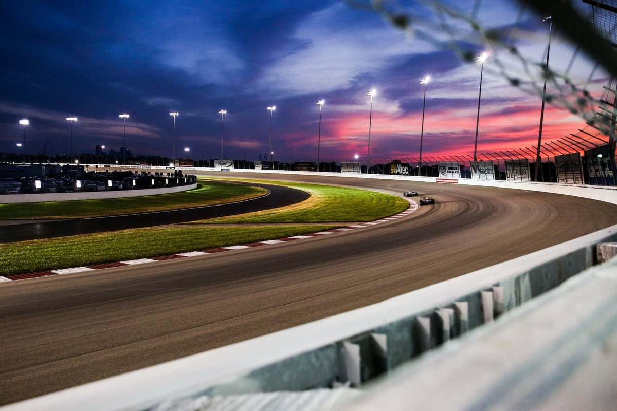 The rockets head back under the lights @wwtraceway this weekend. 📸: @spacesuitmedia #AllAndretti #Bommarito500 #IndyCar