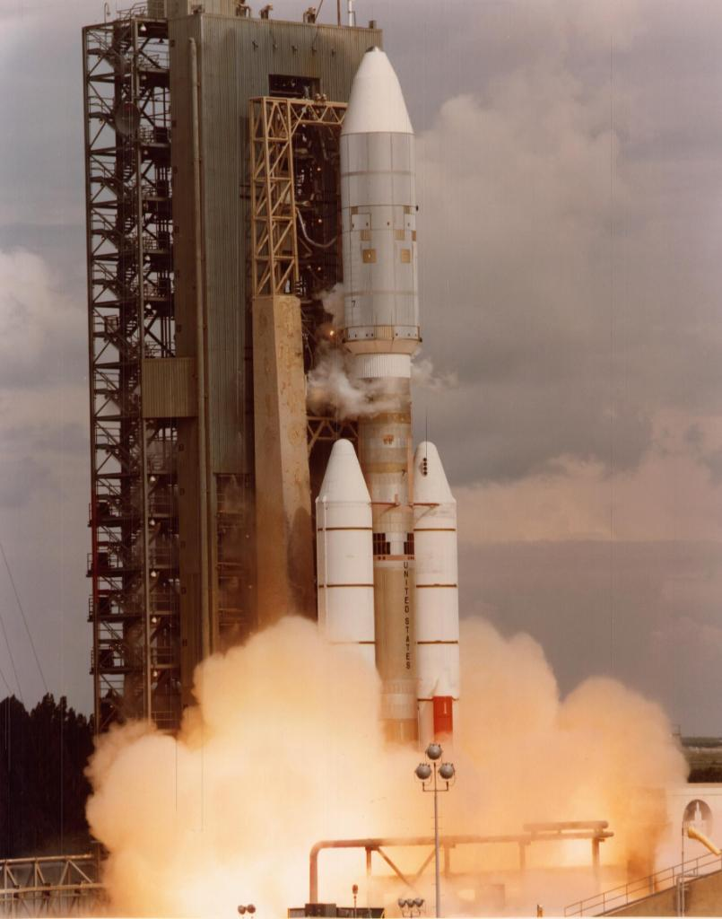 #Now in 1977 Voyager 2 launched from @NASAKennedy. After exploring Jupiter, Saturn, Uranus and Neptune, it became the second spacecraft to enter interstellar space in 2018. Voyager 2 continues out into the cosmos today, 42 years after its launch.