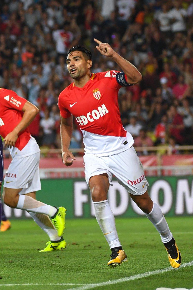 AS Monaco captain Radamel Falcao will be moving to Galatasaray. (via @Tavares03Paulo)