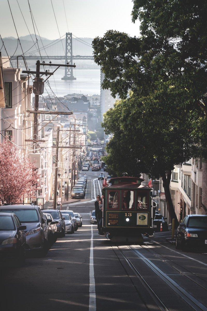 サンフランシスコの街を歩きながら写真を撮っていたんだけど、映画の世界そのものだった🤤
