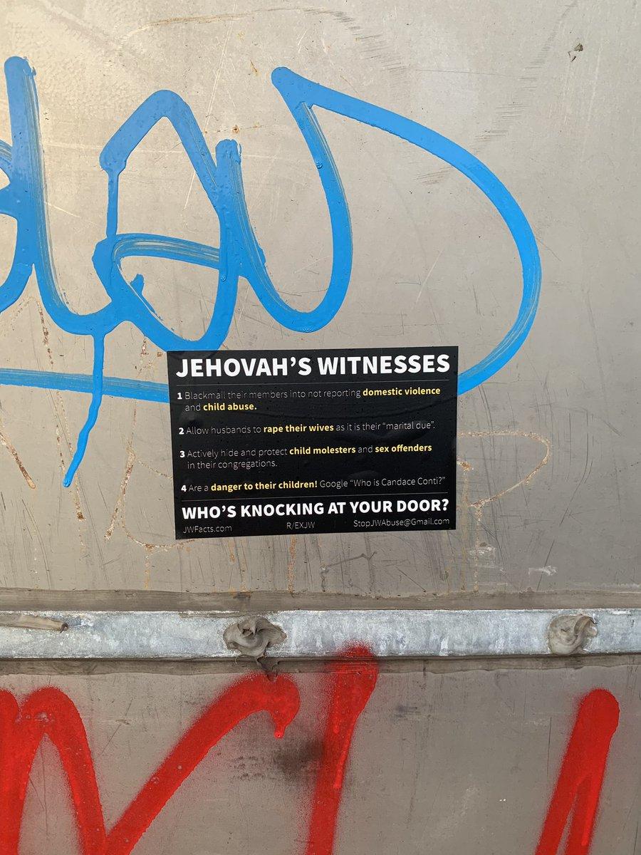 Seen on Bushwick Avenue #exjw<br>http://pic.twitter.com/92QRJeGRNy