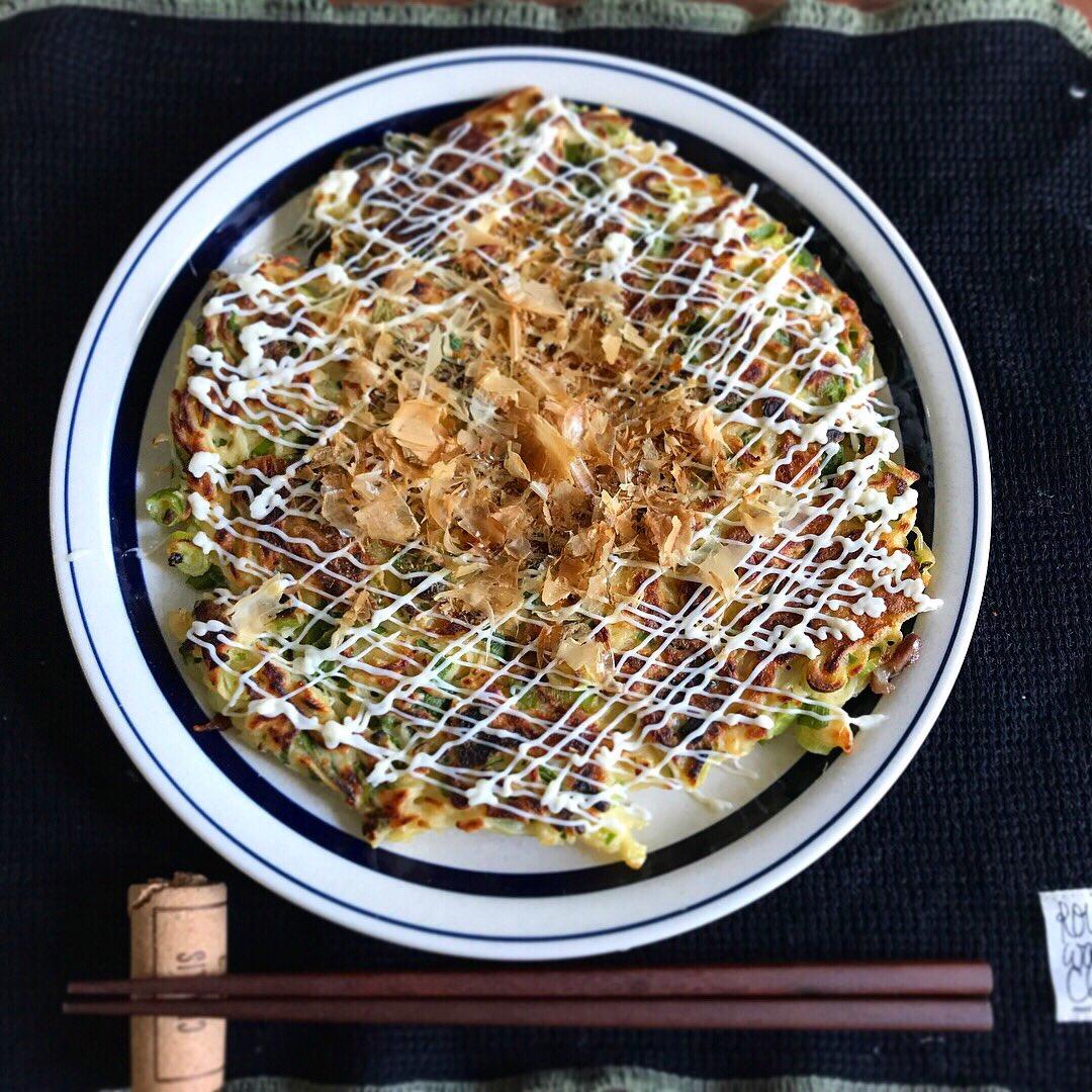 茹ですぎてそうめんが余ったら【ネギ焼きそうめん】名古屋テレビで前に紹介したレシピ。甘辛いタレ➕マヨネーズが美味しい!薬味の刻みネギも1束使い切れてお勧めです✨「あんたらもっと食べる思たのに…もう!」というお母様「一把がこんなに増えるなんて聞いてませんでした」という方へ