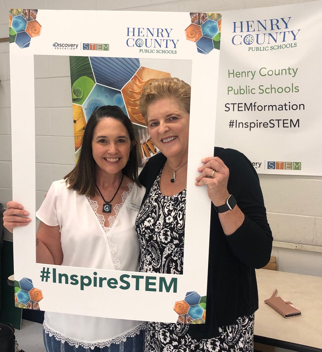 Getting ready to kick off the Henry County VA STEM Leader Retreat with Talitha Lowman ⁦@Talowman⁩ #DESTEM<br>http://pic.twitter.com/LO8pSclR8Q