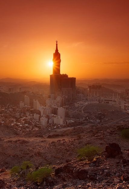 Sunsets in Makkah are just something else  <br>http://pic.twitter.com/Pkun6ucAvk