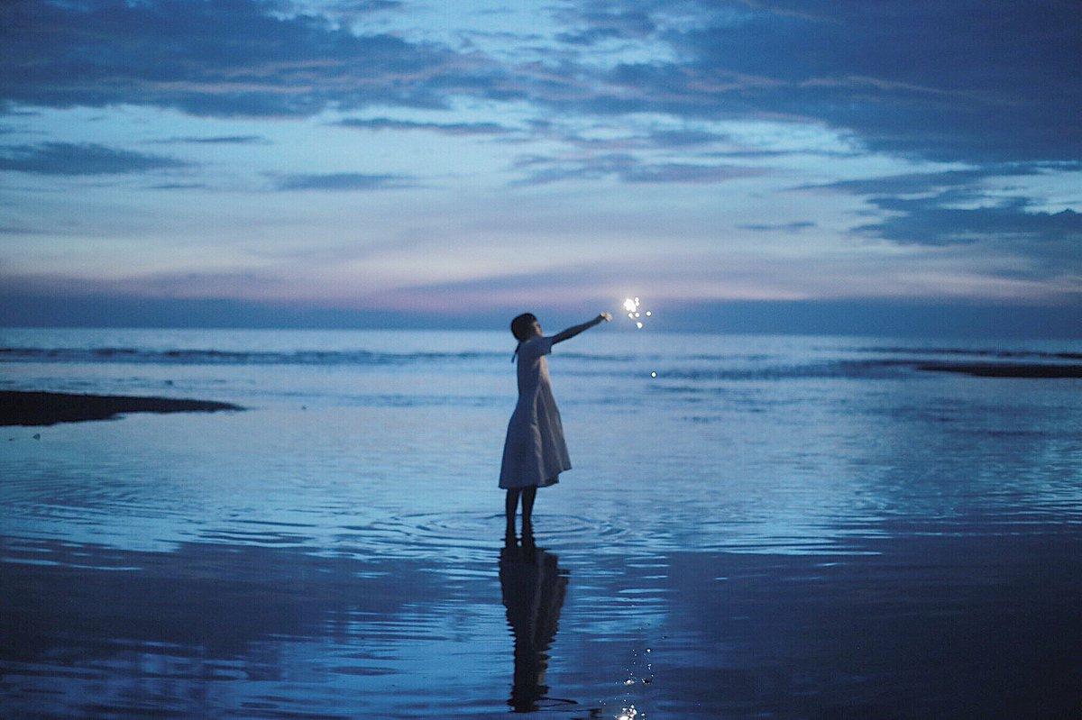 静かな夜の花火