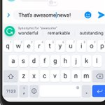 Image for the Tweet beginning: Grammarly's keyboard suggests synonyms to
