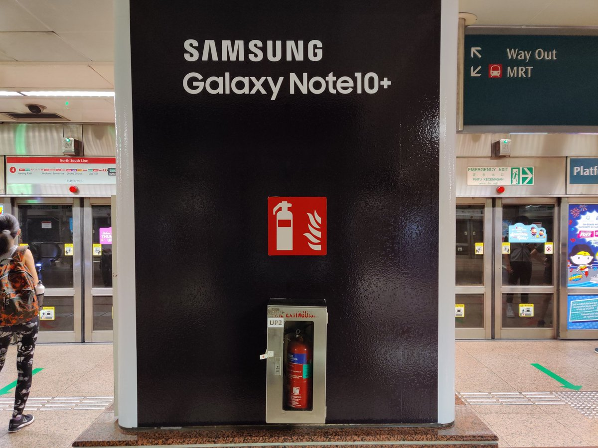 Good thing Samsung wasn't advertising the Galaxy Note 7 here <br>http://pic.twitter.com/L8eBzMWUZ3