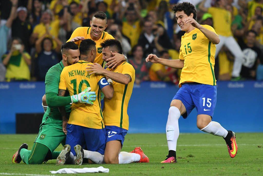 Há exatos 3 anos, Brasil era ouro olímpico no futebol masculino. 📸🇧🇷🏆⚽️