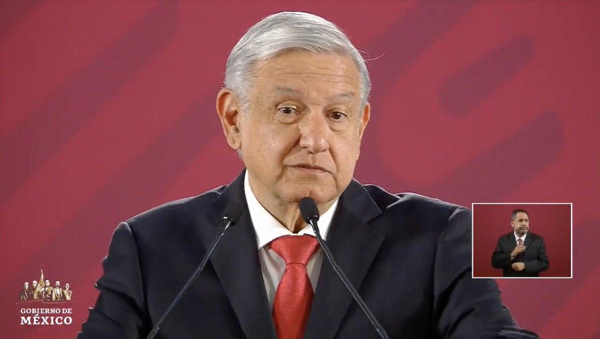 """""""Por ejemplo, ese que le pegó un golpe al reportero, ¿qué tenía que ver con la marcha de las mujeres?"""", cuestiona López Obrador. EN VIVO: http://bit.ly/2NekUMa"""