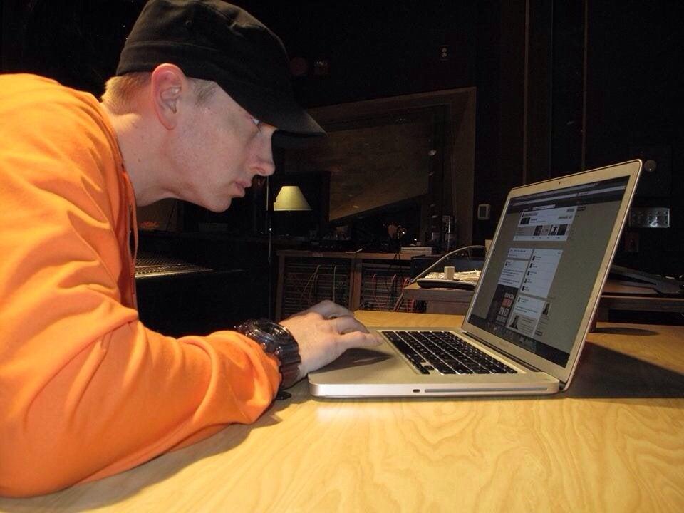 Real picture of Eminem coding Shin Megami Tensei  https://twitter.com/nocc_nocc/status/1163813773443919873/photo/1 <br>http://pic.twitter.com/r3F5ftBvL3    <br>http://pic.twitter.com/STS1tXYAYq