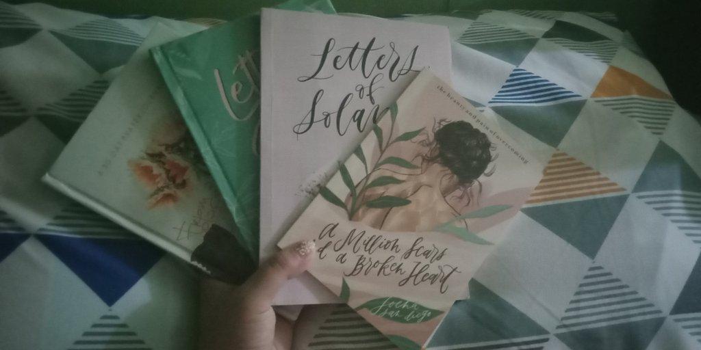 Im loving the positivity this books had given me  @joenasandiego<br>http://pic.twitter.com/xp6mgTzqDQ