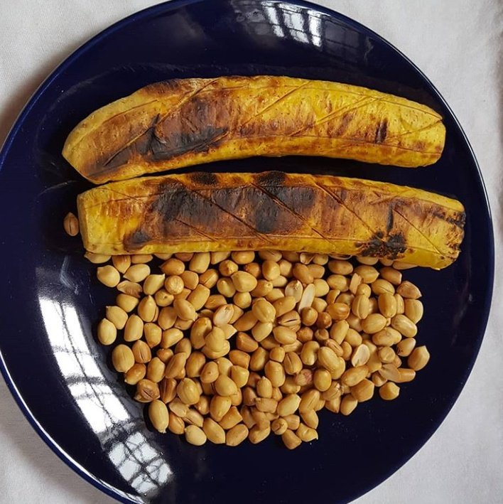 Dinner  Roasted Plantain Side With Roasted Groundnut(Boli and Epa) Have You tried this Combo? Do You love this combo? <br>http://pic.twitter.com/RuCQ5W2dzC
