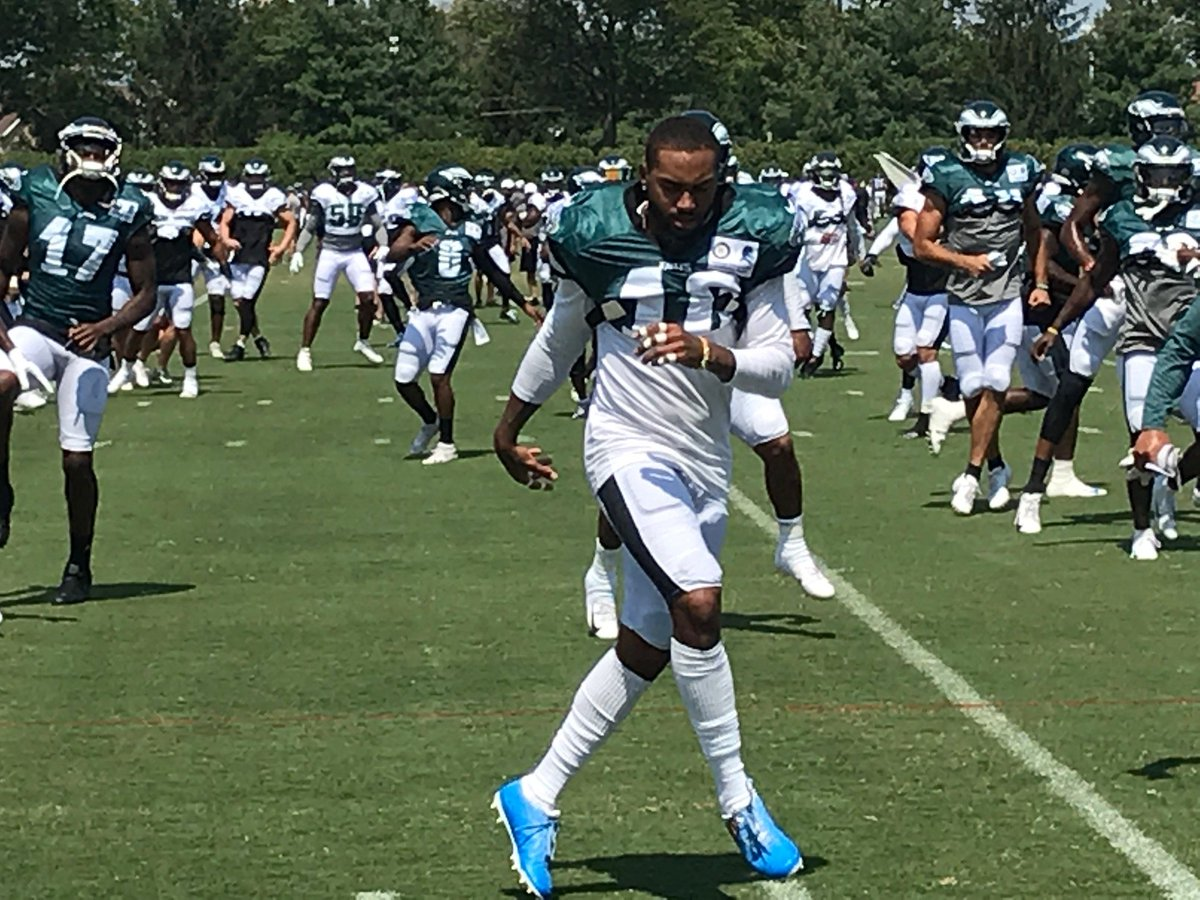 Stretching isnt just for professional athletes like the @Eagles! Whether youre on your feet all day or behind a desk, taking a few minutes to stretch can not only help to prevent injuries, but reach your peak potential! #ThePowerOfPhysicalTherapy #FlyEaglesFly