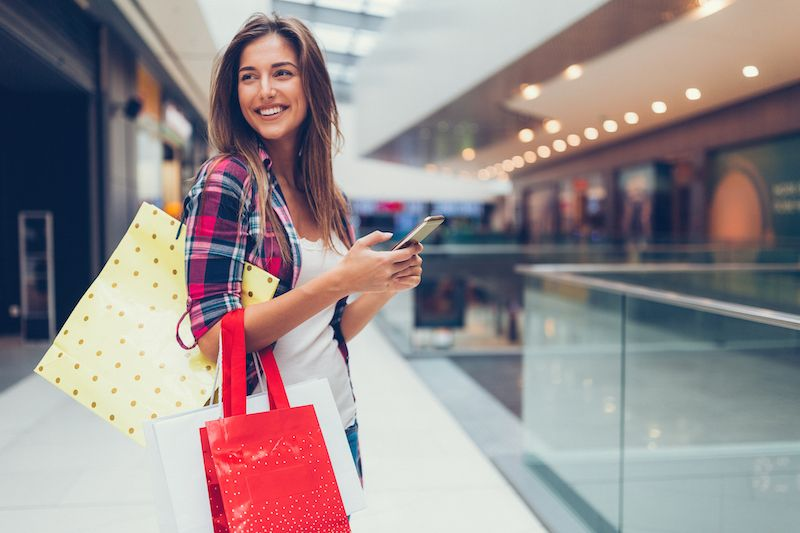 Did you know #UGC can help in-store shoppers too? >> https://buff.ly/2YT4Ruf #usergeneratedcontent #socialmedia #marketing #twinesocial