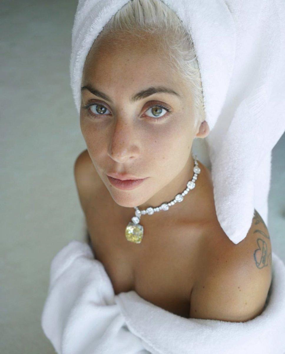good morning lady gaga stans <br>http://pic.twitter.com/JJdQBmjWbV