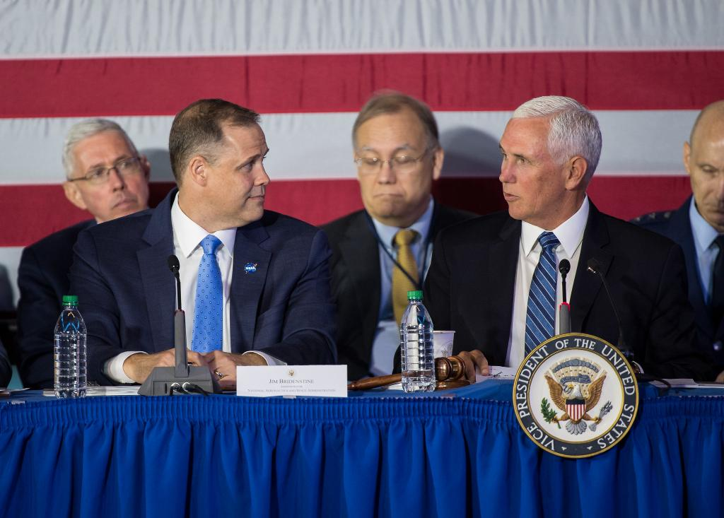 Were going back to the Moon — to stay! During todays #NationalSpaceCouncil meeting, Administrator @JimBridenstine & @VP Pence discussed our plans to return the lunar surface during our #Artemis missions. View photos: go.nasa.gov/2P8x0c8 Learn more: go.nasa.gov/2P2utA9