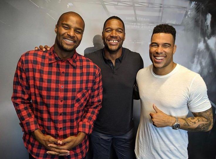 What a lineup. What a trio. What legends. @OsiUmenyiora X @michaelstrahan X @JasonBell33 🙌 🎧 Podcast 👉 on.nfl.com/u8Ha4T