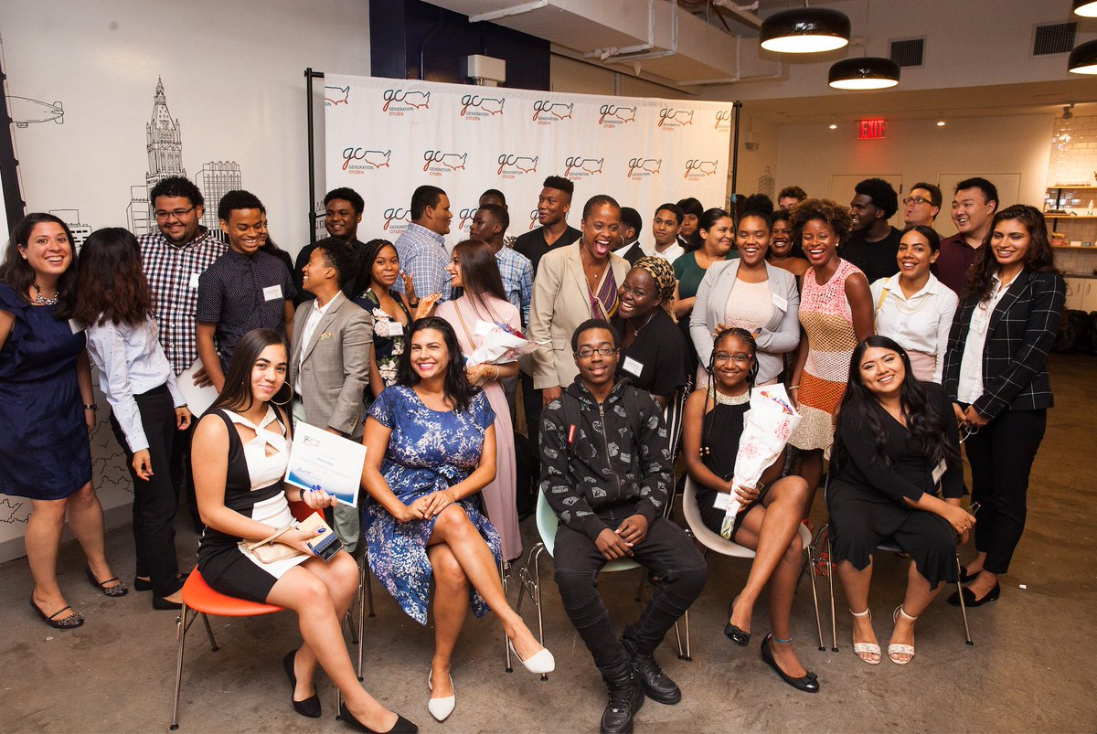 Reminiscing on good times from the Community Change Fellowship Graduation in NYC back in 2018! We are confident in the ability of our fellows to go out and create some #PositiveChange across the country <br>http://pic.twitter.com/jV3zEf2aUq