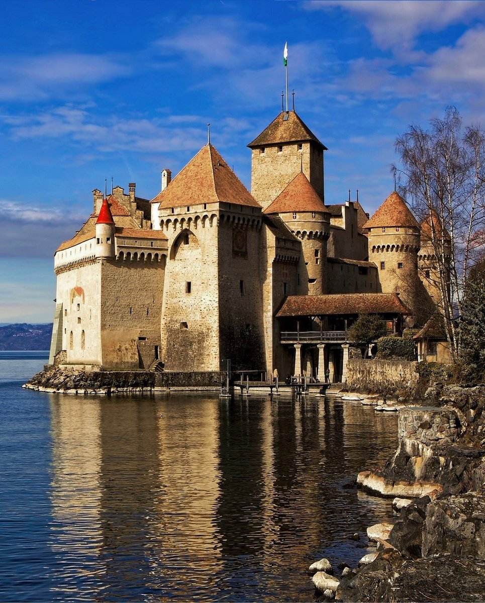 Chillon Castle   This is a very cool castle with an intriguing story. It is not the largest, nor the largest, but it is significantThe way the water surrounds the castle makes it quite unique. The castle itself has many interesting parts. #Switzerland #TuesdayMotivation <br>http://pic.twitter.com/wxRhesJ6jI