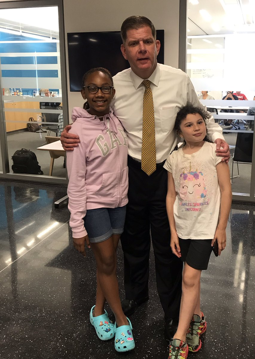 Thank you @marty_walsh and @BCassellius & your teams for coming to our meeting tonight and listening. We appreciate your support. Thank you also @IamJonSantiago @wutrain @RobConsalvo for your continued support! #workingtogether #ourchildren