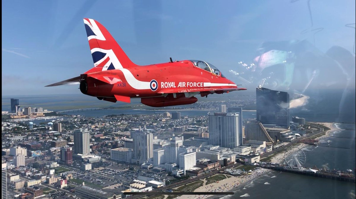 More images from the Red Arrows arriving into Atlantic City earlier today - this time from Circus 2, Cpl Matt Searle. Show time tomorrow is 1230 over the Boardwalk. #RedArrowsTour #AtlanticCity<br>http://pic.twitter.com/w8z6cGjONZ