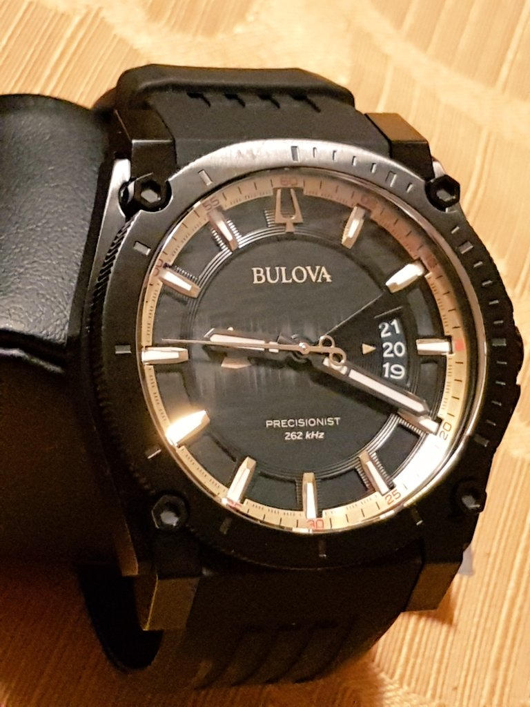 It's incredibly difficult to put into words how magnificent this #timepiece is...This #Bulova #Precisionist #watch is a special edition for the #GrammyAwards. So elegant in black with #gold accents & the display case is a classy addition! #GRAMMYs #watches @Bulova @HODINKEE<br>http://pic.twitter.com/Lc55QU7aul
