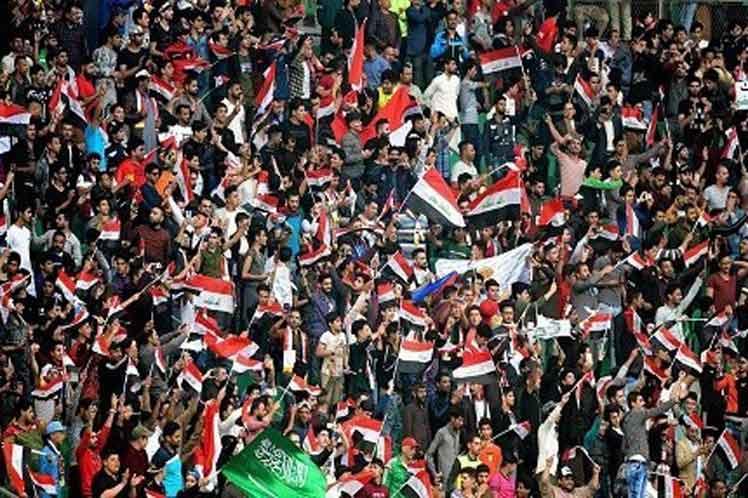 Alegría y satisfacción se veía en aficionados y dirigentes iraquíes por el anuncio de la @FIFAcom de que la selección nacional de #Iraq podrá jugar en casa las eliminatorias de la copa mundial de 2022. bit.ly/33Ip0lD