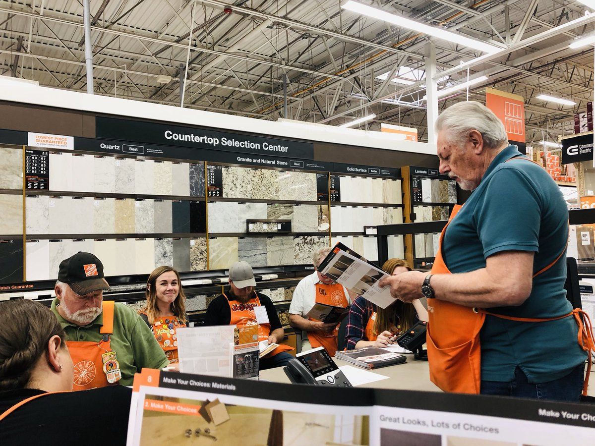 Learning all about Countertops from our Fabulous Kitchen Designer, Bob! Thank you for sharing all of your great Knowlege with us today. #Extreme4417 #SpecialtyTuesday #LeadsInSalesWin<br>http://pic.twitter.com/z14fjXVJ5s