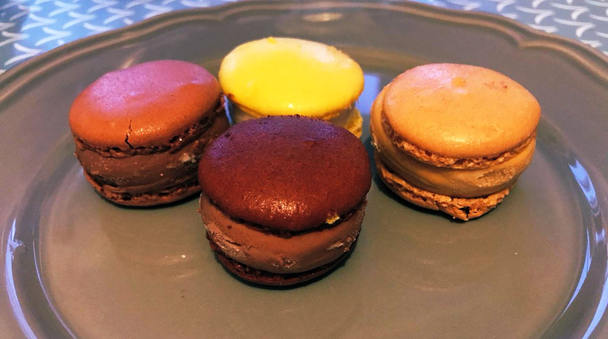 """France just upped its game. These are ICE CREAM macaroons. Also, I have a family of in laws who make personalised orders of flavours they think best """"suit"""" you. Because that's the sort of shit the French take seriously. Vive la Sister in Law! <br>http://pic.twitter.com/qOgChrZ6kI"""