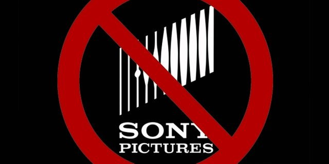 #BoycottSony is now trending worldwide after fractured #SpiderMan  deal news:   https:// comicbook.com/marvel/2019/08 /20/boycott-sony-trending-twitter-spider-man-mcu-cancelled/  … <br>http://pic.twitter.com/cfv8bBnODT